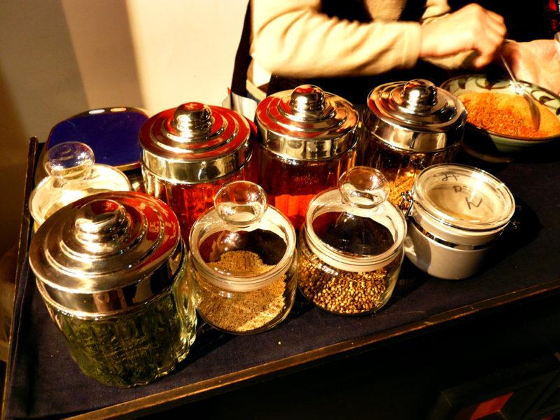 京都の七味作り体験「山城屋」