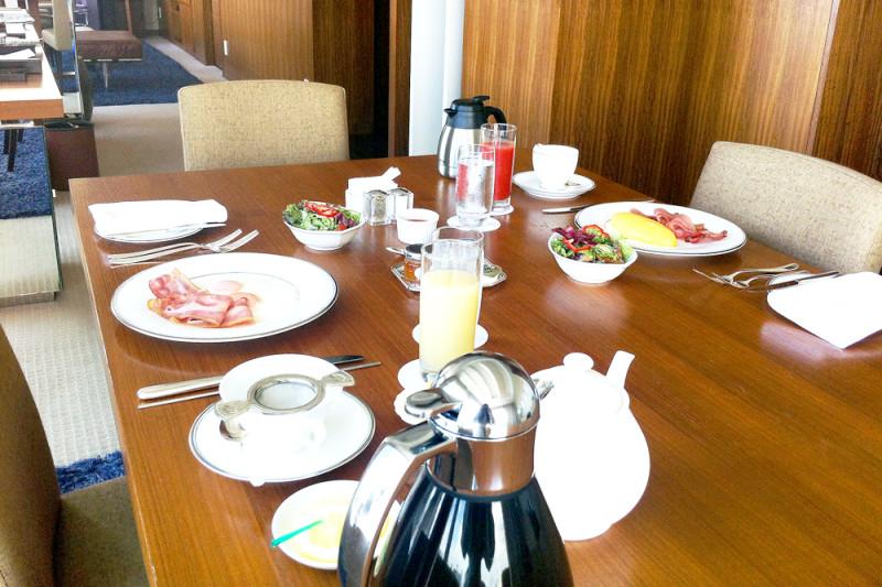 インターコンチネンタル品川のスイートで朝食