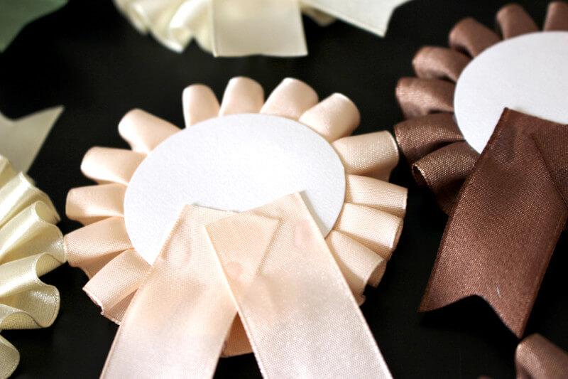 結婚式の席札用ロゼットを手作り