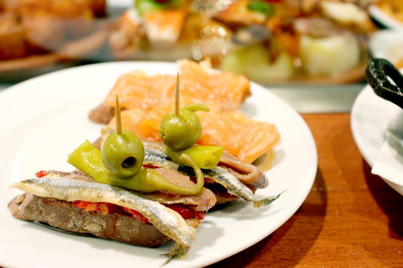 夏にスペイン旅行に行った時に食べたピンチョス