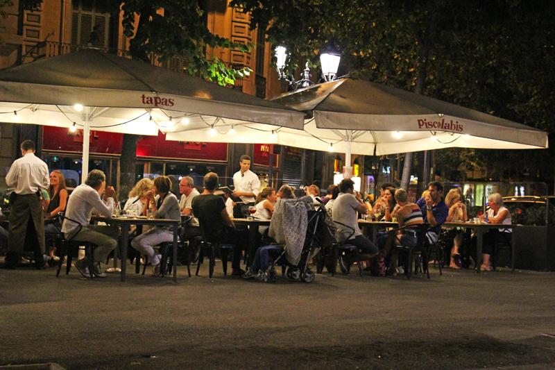 スペインのバルセロナをお散歩(タパス屋さん)